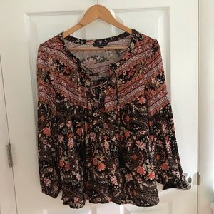 American Eagle Floral Lace Up Blouse